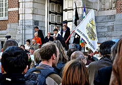 Support mobilisation in front of the court